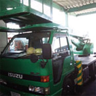高所作業車(トラック式)