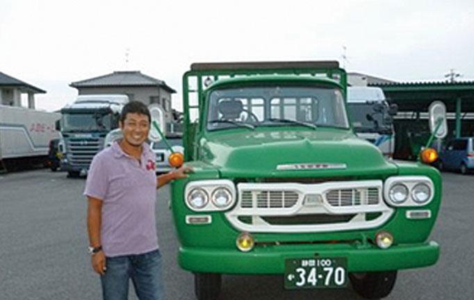 当社自慢の現役トラックと一緒に撮影!